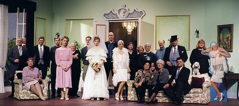 cast_there_goes_the_bride_crew
